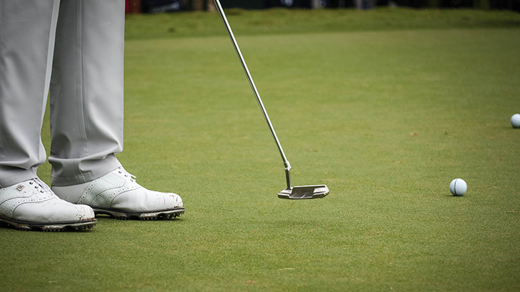 Let's take a closer look at his Scotty Cameron.